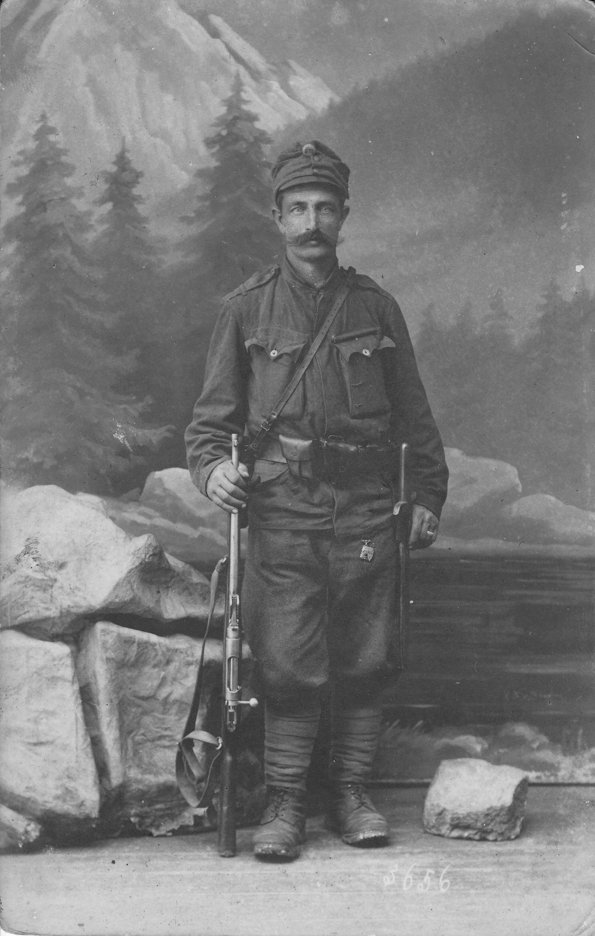 Nejstarší fotografie, kterou jsme našli z roku 1917 Otec Marie  Josef Rákosník.