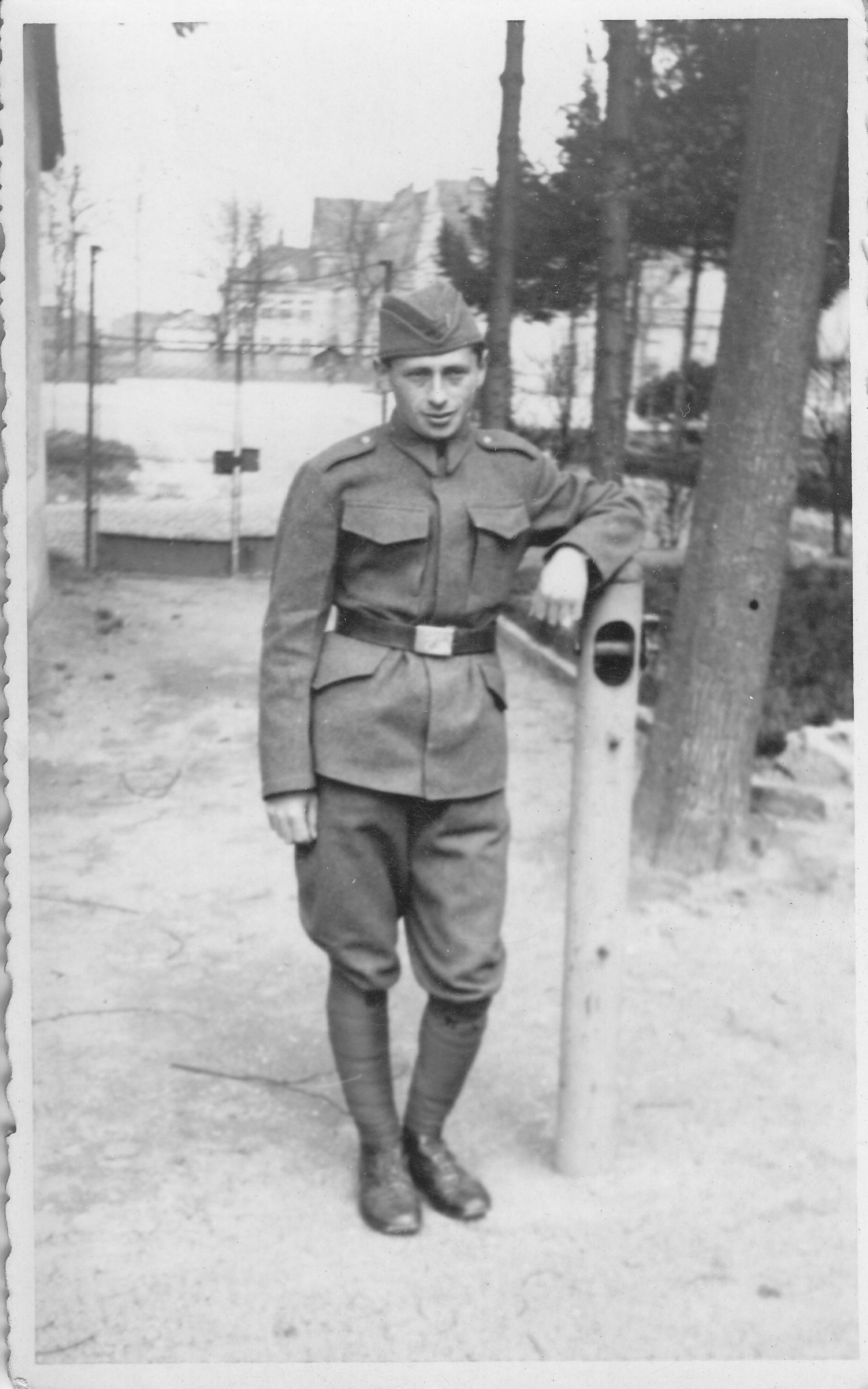 Josef Neumann jako voják.